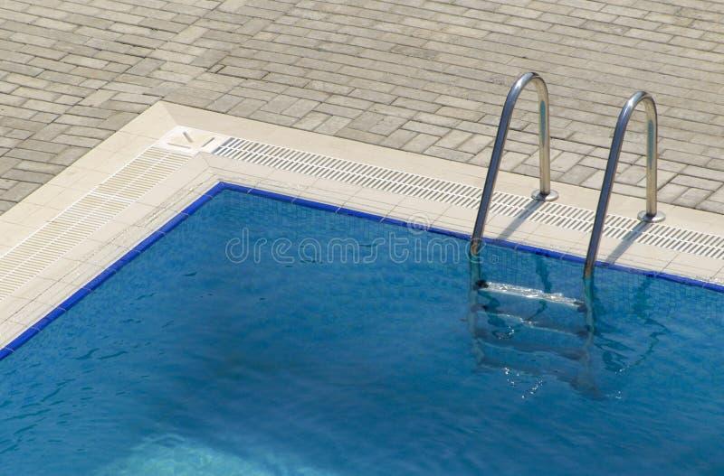 Pasos de progresión de la piscina imagen de archivo