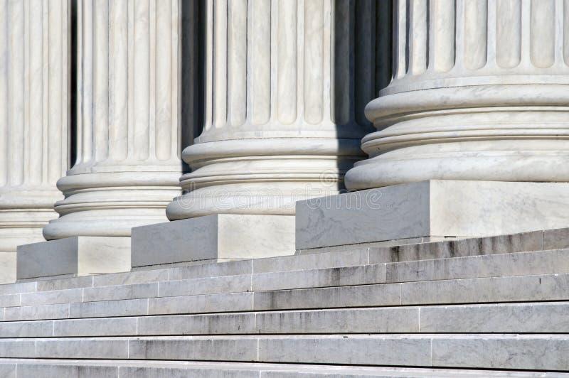 Pasos de progresión del Tribunal Supremo fotografía de archivo libre de regalías
