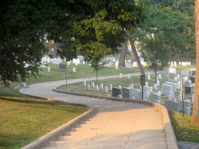 Pasos de progresión en el cementerio de Arlington imagen de archivo