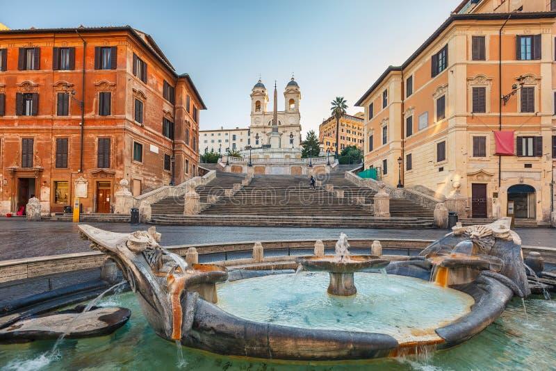 Pasos de progresión españoles en la mañana, Roma imagenes de archivo