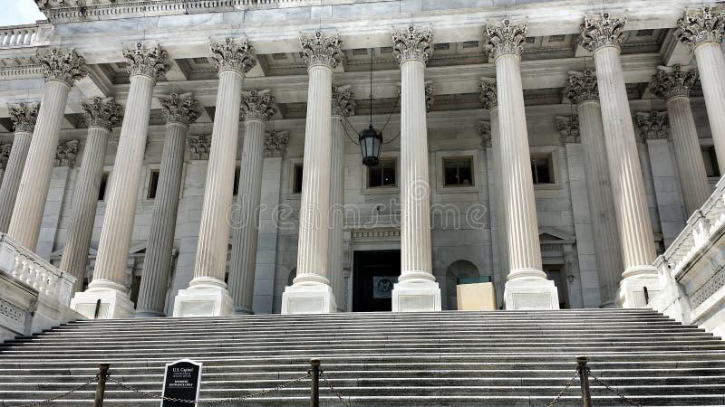 Pasos del edificio del capitolio fotografía de archivo libre de regalías