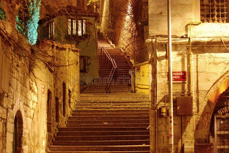 Pasos en la noche fotografía de archivo
