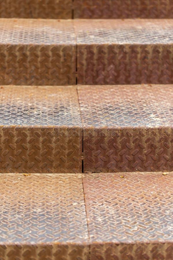 Pasos oxidados del metal como fondo imagen de archivo