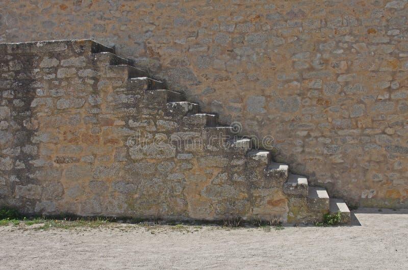 Pasos y deatail de piedra de la pared imagen de archivo