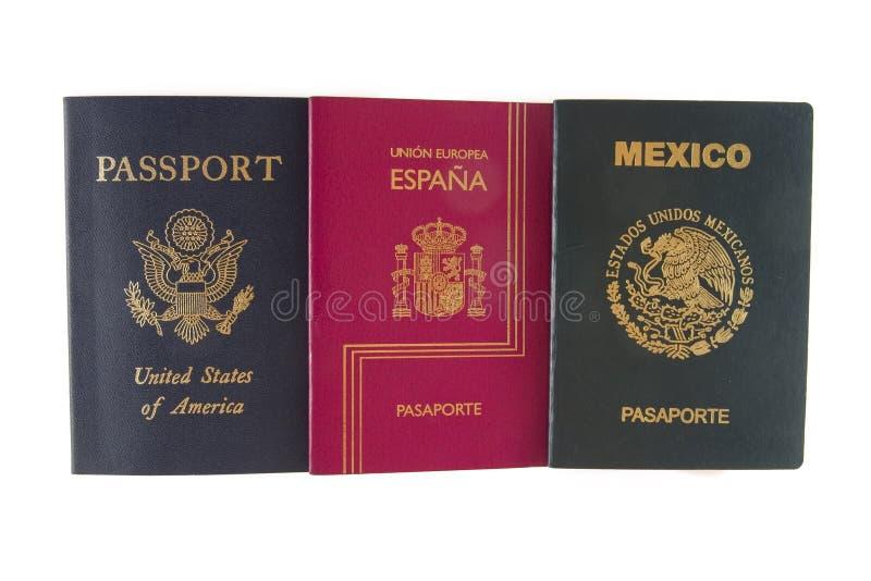 Paspoort drie (Amerikaan, Mexicaan en het Spaans) royalty-vrije stock foto