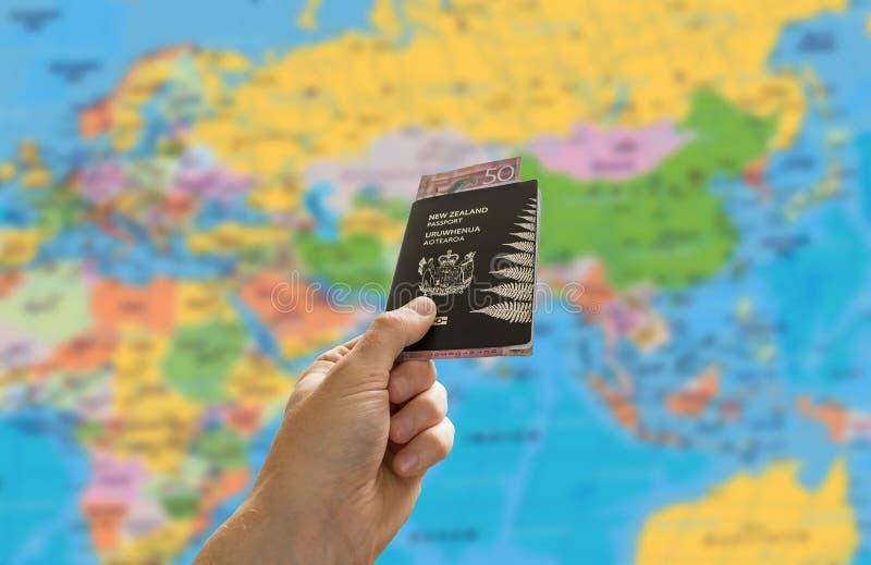 Paspoort en kaart royalty-vrije stock afbeelding
