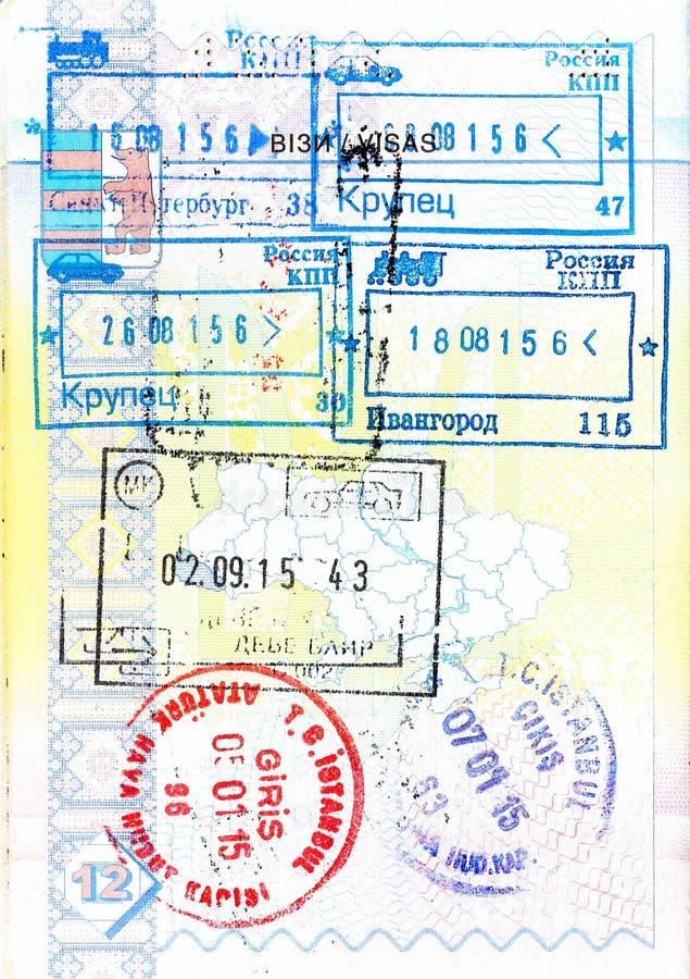 Pass med stämplar av Ryssland, Makedonien, Turkiet royaltyfri fotografi