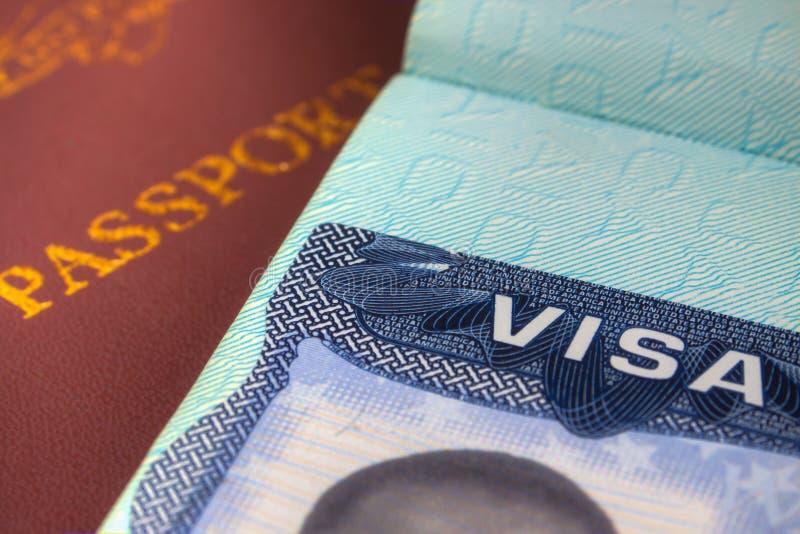 Pass och USA-visum för invandring royaltyfri bild