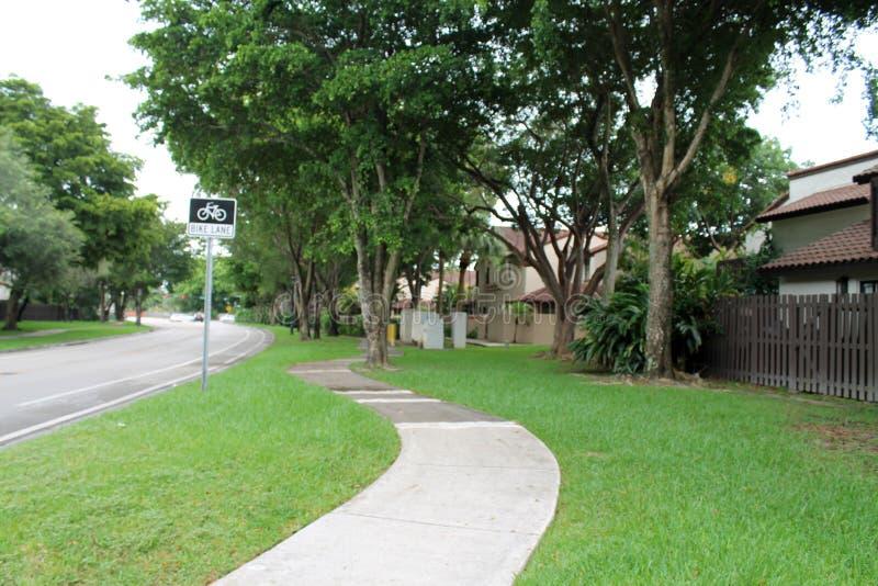 Passage couvert du sud de voisinage de la Floride photographie stock libre de droits