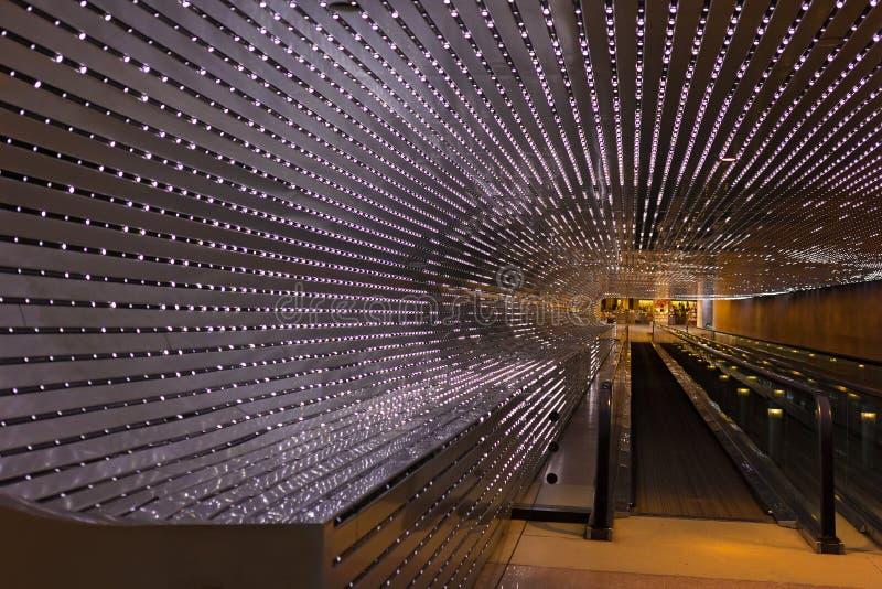 Passage couvert mobile lumineux au National Gallery de l'art dans le Washington DC, Etats-Unis photo libre de droits