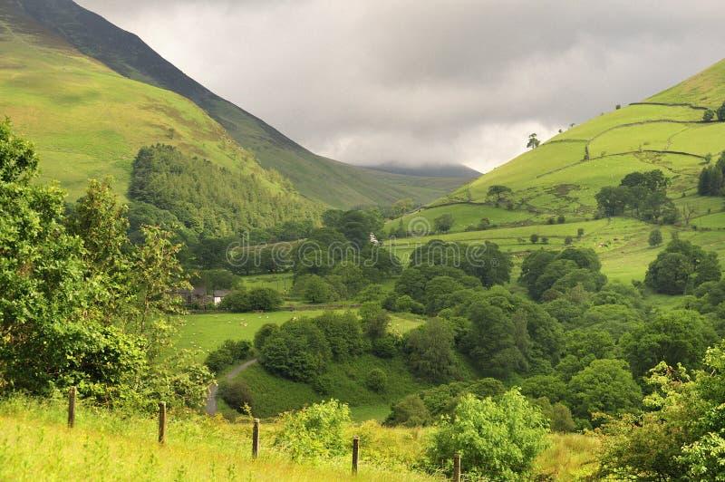 Passage de montagne de district de lac, Cumbria image stock