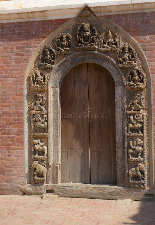 Passage de Mul Chowk, Katmandou, Népal, mars 2014 photographie stock libre de droits
