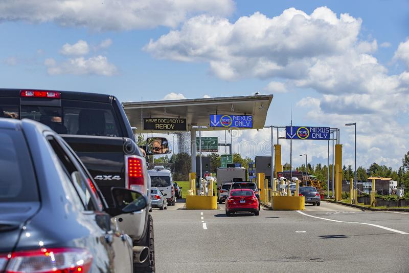Passage des fronti?res occup? entre les USA et le Canada photos stock