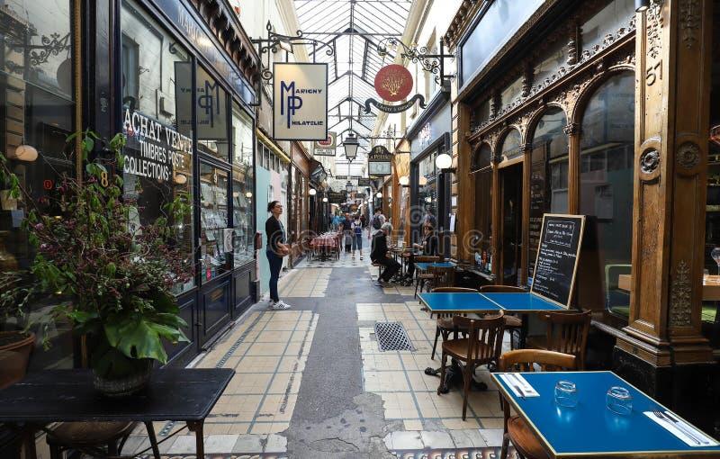 Passage des Panoramas is de oudste behandelde passages van Parijs royalty-vrije stock afbeelding