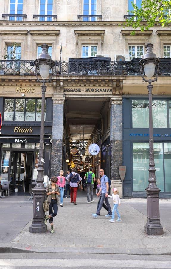 Passage des Panoramas is de oudste behandelde passages van Parijs stock foto's