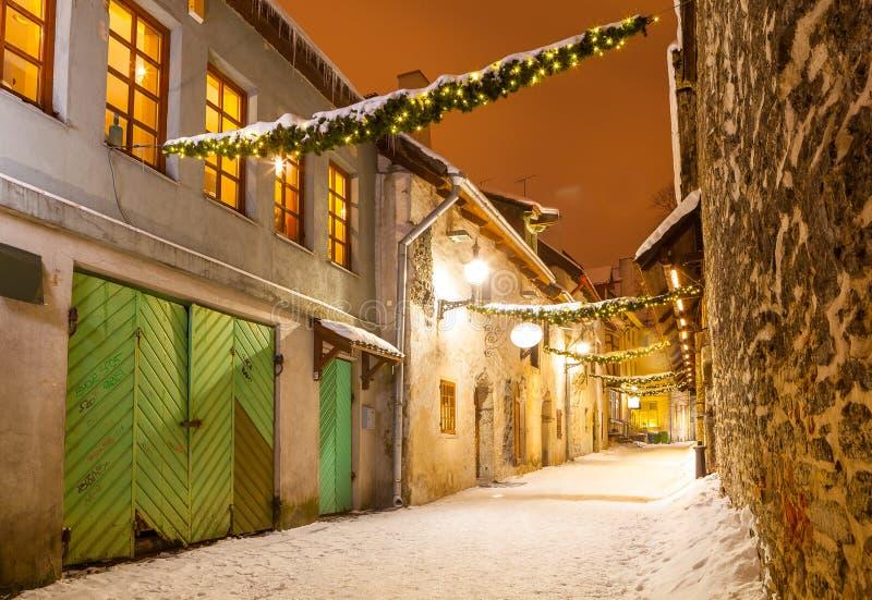 Passage för ` s för St Catherine - en liten historisk gata i Tallinn, Estland royaltyfri fotografi