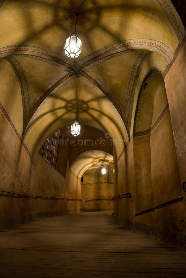 Passage i Cesky Krumlov fotografering för bildbyråer
