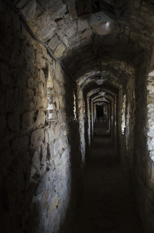 Passage in oud oud kasteel - Kamianets Podilskyi De Oekraïne, Europa royalty-vrije stock foto's