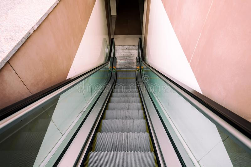 Passage piéton souterrain moderne image stock