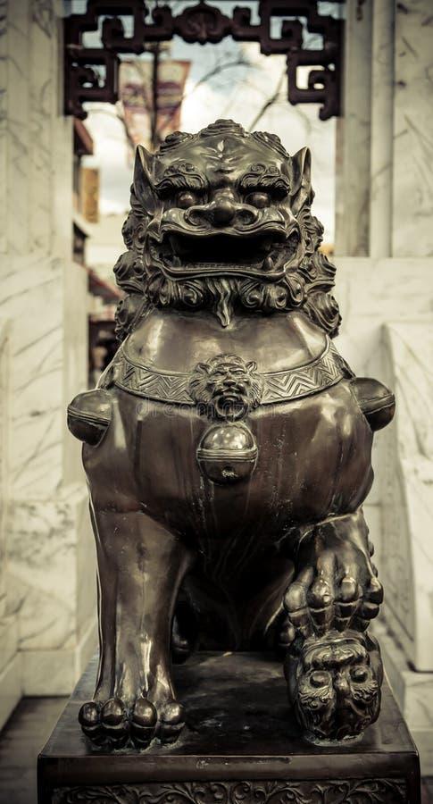 Passage protecteur de Lucky Bronze Female Lion Statue, Cabramatta, image libre de droits