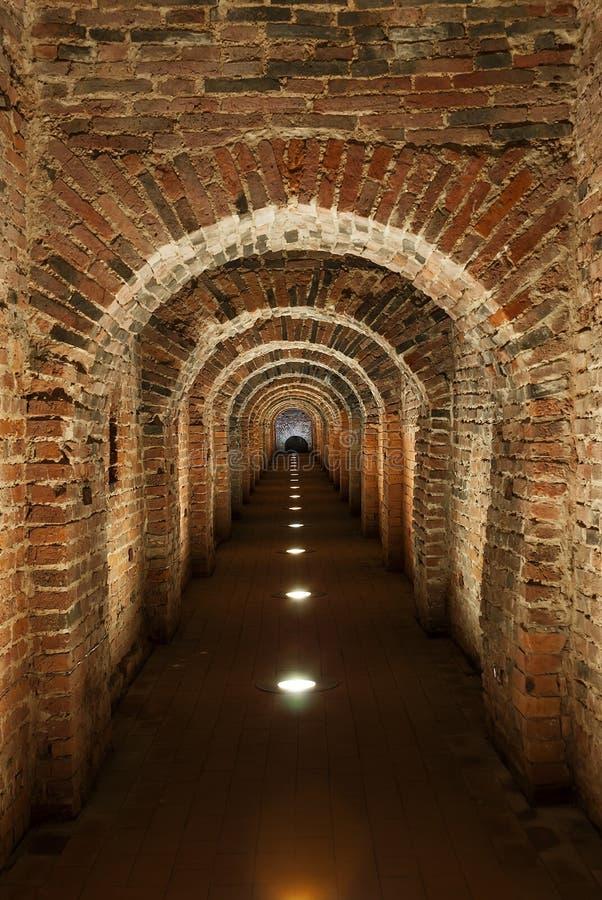 Passage secret souterrain photo stock
