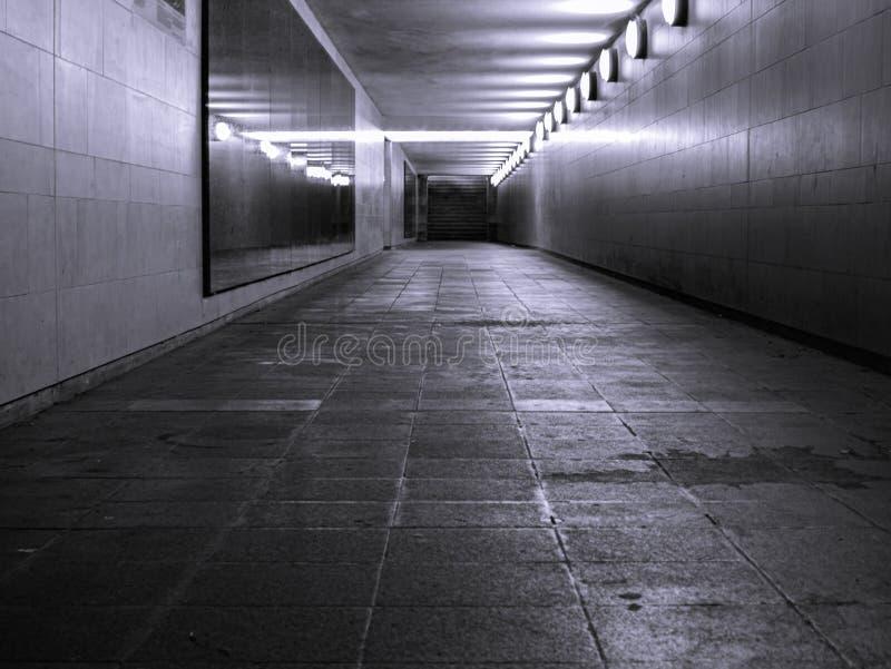 Passage souterrain par la ville de l'idéal de Berlin pour des artistes de musique image stock