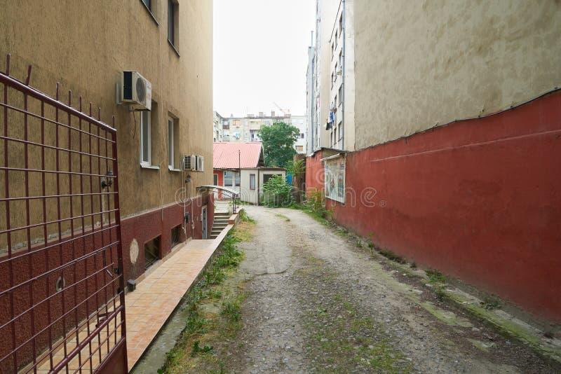 Passage till borggården i Belgrade royaltyfri foto