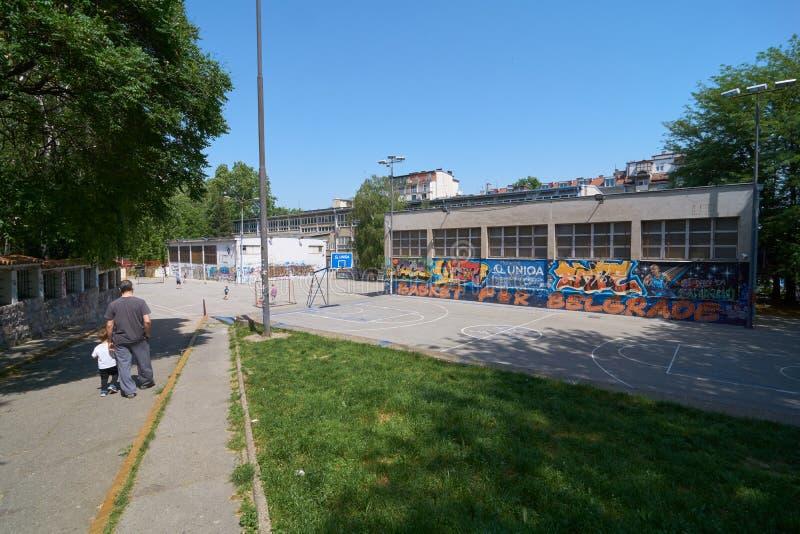 Passage till skolgården royaltyfri foto