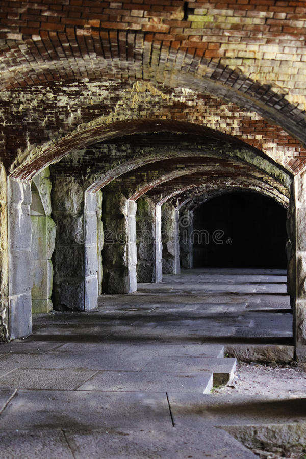 Passagem cavernosa no forte Popham. fotos de stock royalty free