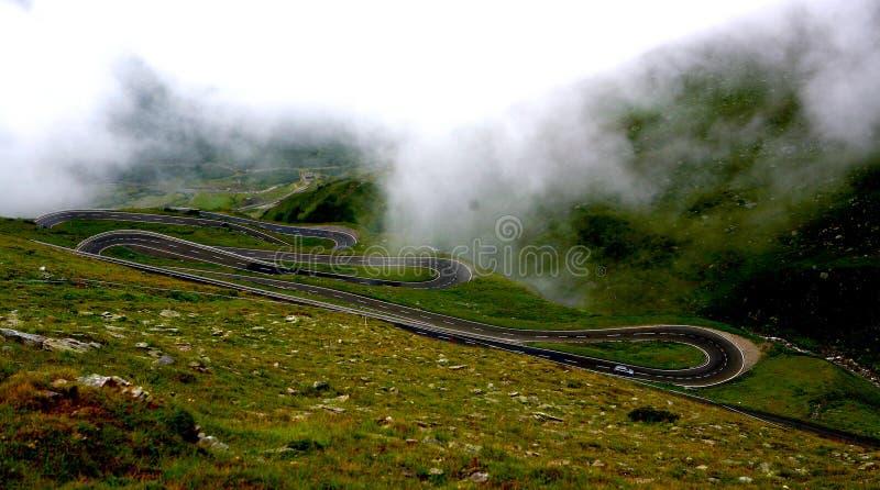 Passagem de St. Bernard, estrada nos mountins imagem de stock royalty free