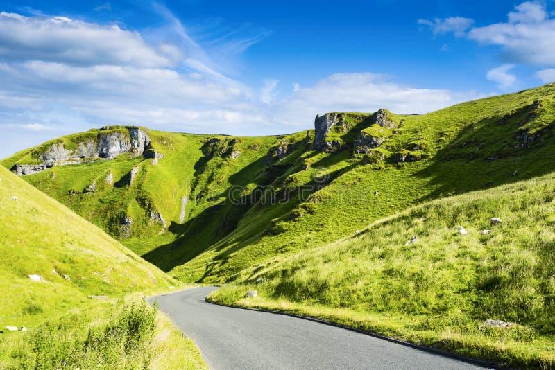 Passagem de Winnats, parque nacional do distrito máximo, Derbyshire, Inglaterra, Reino Unido imagens de stock