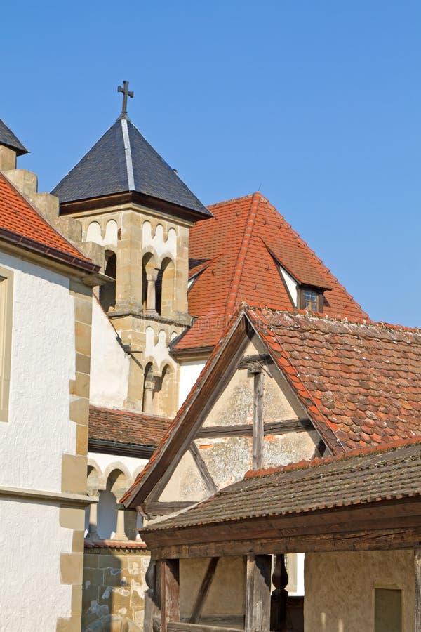 Passagem do Battlement dentro do castelo de Comburg foto de stock royalty free