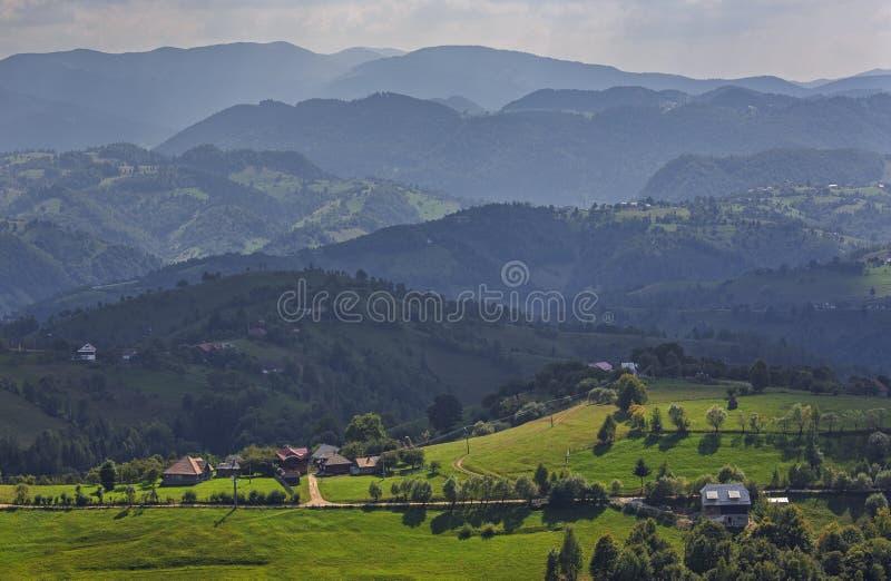 Passagem do Rucar-farelo, a Transilvânia, Romênia imagem de stock