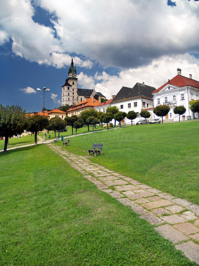 Passagem e torres do castelo de Kremnica fotos de stock
