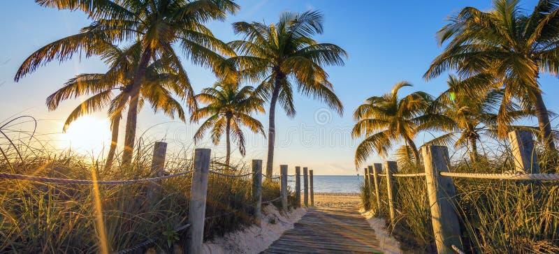 Passagem famosa à praia foto de stock royalty free