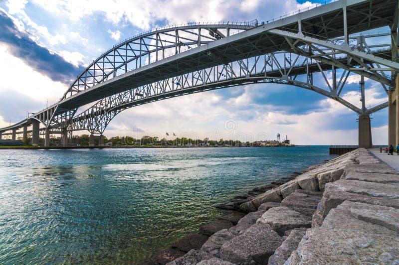 Passagem fronteiriça da ponte de Bluewater, Sarnia Ontário Canadá foto de stock royalty free
