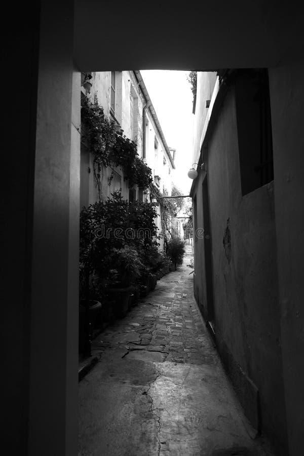 Passagem Mouffetard em preto e branco imagens de stock