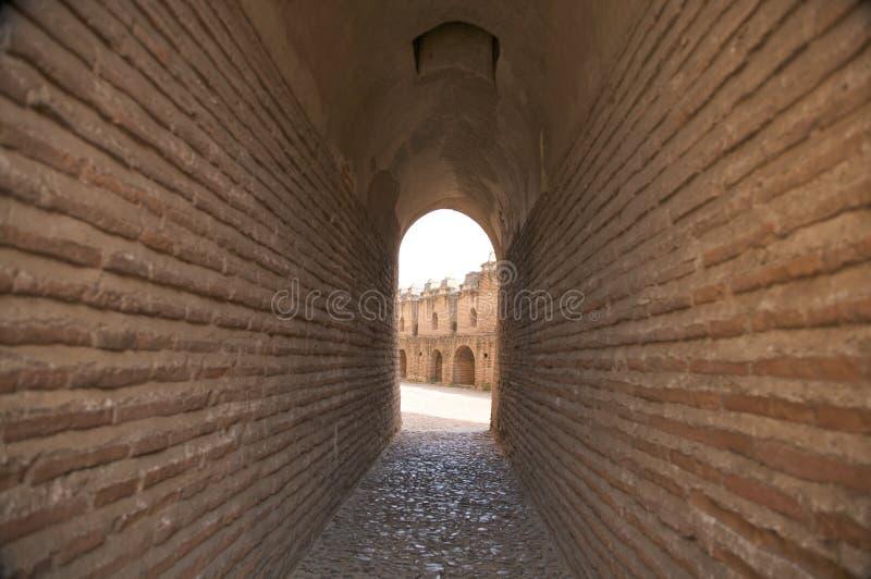 Download Passagem No Castelo Da Coca Foto de Stock - Imagem de battlements, torre: 12804836
