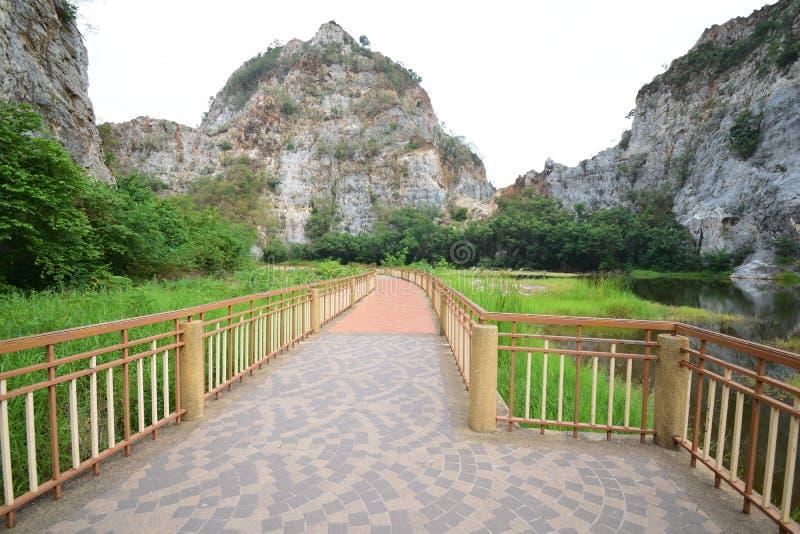 Passagem no parque de pedra de Khao Ngu foto de stock
