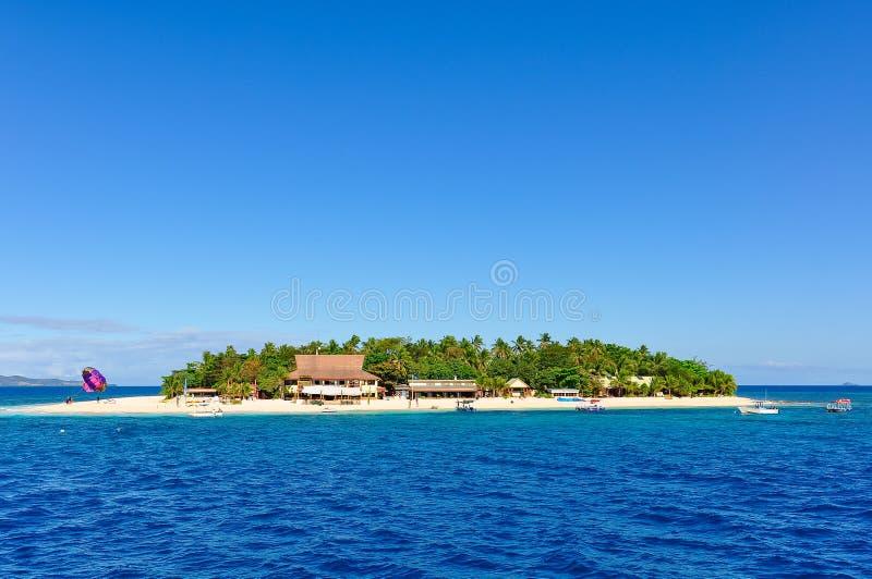Download Passagem Pela Ilha Do Vagabundo De Praia Em Fiji Imagem de Stock - Imagem de costa, azul: 80100897