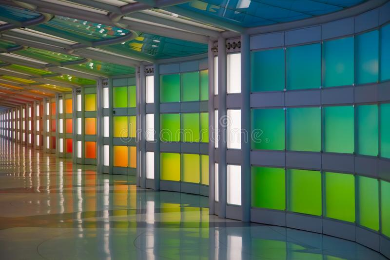 Passagem subterrânea no aeroporto de Chicago O'Hare imagens de stock royalty free