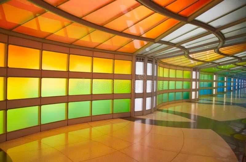 Passagem subterrânea no aeroporto de Chicago O'Hare fotografia de stock royalty free