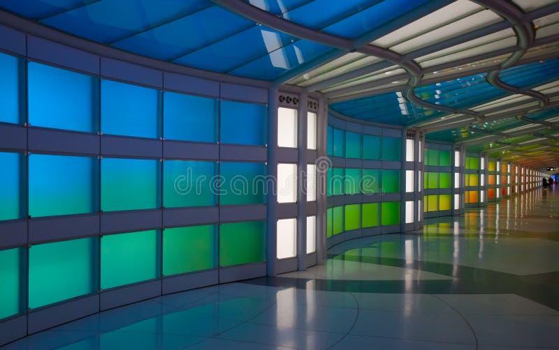 Passagem subterrânea no aeroporto de Chicago O'Hare imagem de stock royalty free