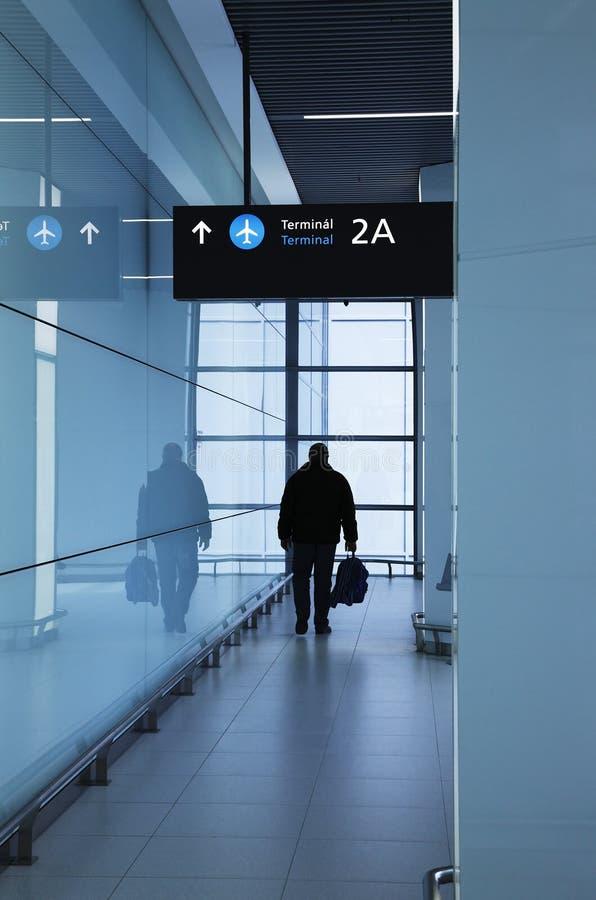 Passager dans l'aéroport photos stock