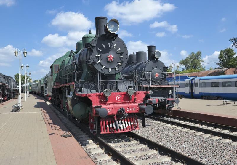 Passagerarelokomotiv Su 214-10 arkivfoto