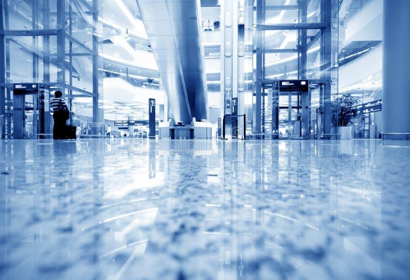 Passagers d'aéroport de Changhaï Pudong photos stock
