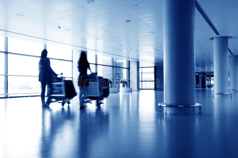 Passagers d'aéroport de Changhaï Pudong photo stock
