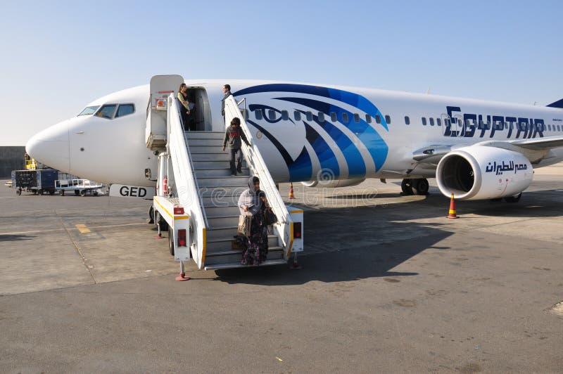 Passagers d'avion d'air de l'Egypte photo stock