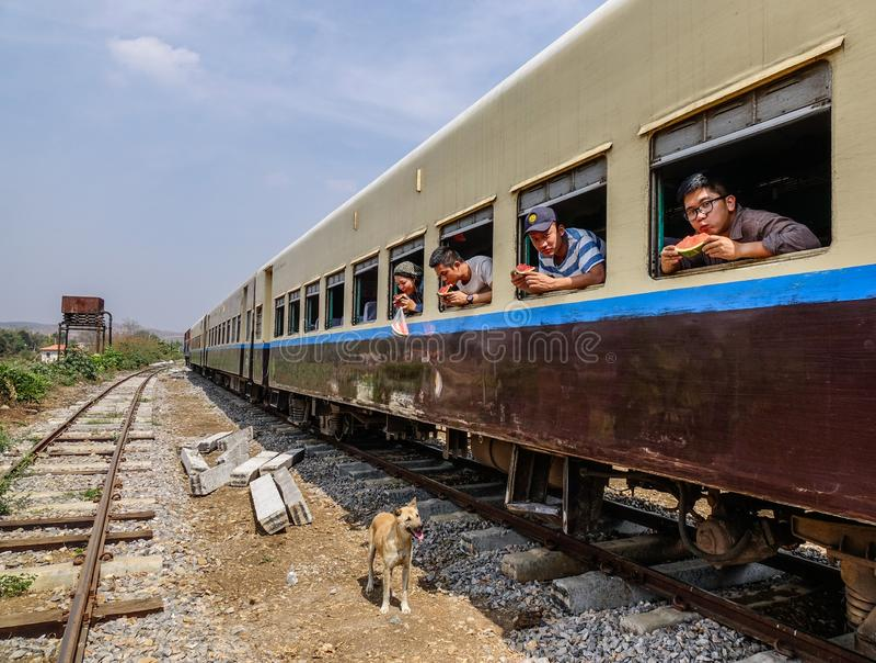 Passagers sur le train image libre de droits