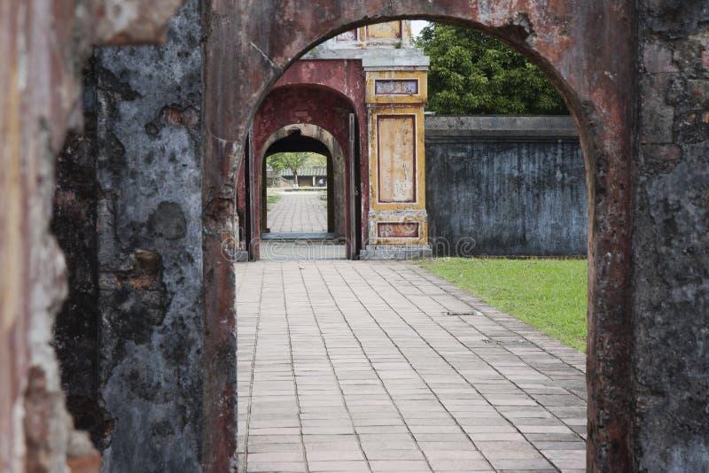 Passages door de tuinen in de Keizerstad stock afbeeldingen